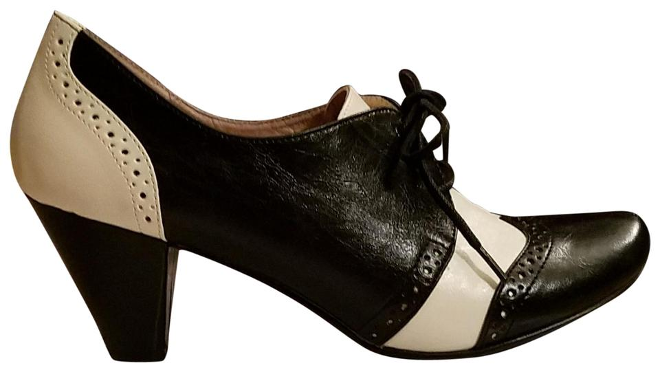 b1280d69aa88d Black Chelsea Crew Pumps - Up to 90% off at Tradesy