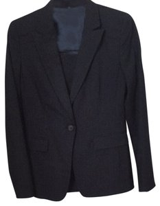 Elie Tahari Gorgeous Lined Navy Suit