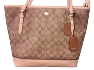 Coach Peyton Signature Tote in Khaki/Tan