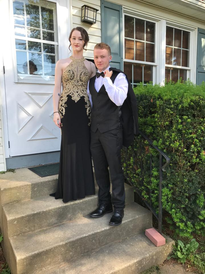 CLARISSE Black and Gold Prom Long Formal Dress Size 00 (XXS) - Tradesy