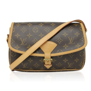 291a04359b97 Louis Vuitton Monogram Sologne Brown Messenger Bag