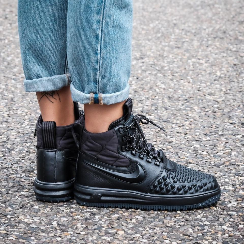 pretty nice 4b0b0 66816 Nike Womens Black Lunar Force 1 Duckboot Sneakers Are Composed Of Water  Resistant Leather Making Them The Perfect Sneakers