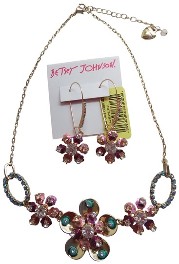 Preload https://img-static.tradesy.com/item/22935492/betsey-johnson-gold-new-rhinestone-flower-necklace-and-earrings-0-1-540-540.jpg