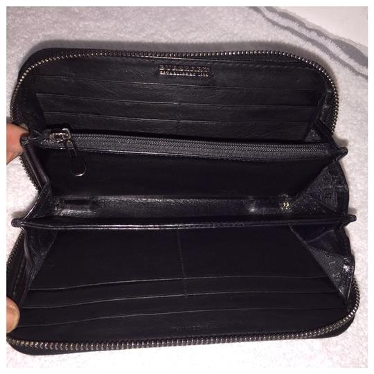 Burberry Authentic Burberry Black Leather Classic Long Zipper Wallet Image 5