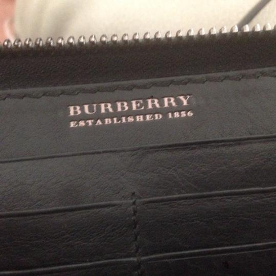 Burberry Authentic Burberry Black Leather Classic Long Zipper Wallet Image 8