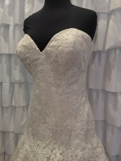 Allure Bridals Ivory/Gold Lace 9314 Traditional Wedding Dress Size 18 (XL, Plus 0x) Image 6