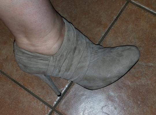 Guess Taupe Boots Image 4