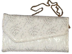 PurseN Evening After Five Party Formal Special Occasion White/Silver Clutch
