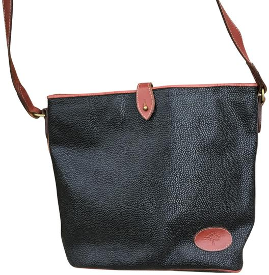 Preload https://img-static.tradesy.com/item/22936065/mulberry-saddle-messenger-fold-over-3-large-compartments-black-leather-cross-body-bag-0-1-540-540.jpg