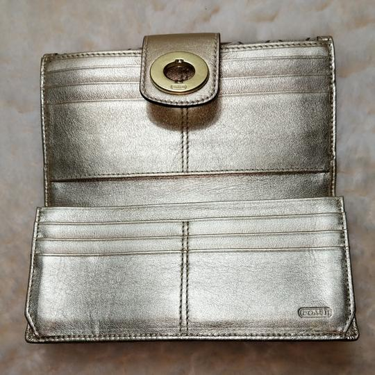 Coach Wristlet in Brown and gold Image 5