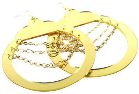 Preload https://img-static.tradesy.com/item/22936636/gold-tone-mirrored-handcuff-with-chain-accents-earrings-0-1-540-540.jpg