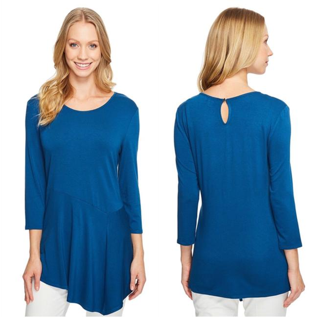 Preload https://img-static.tradesy.com/item/22936700/vince-camuto-teal-asymmetrical-tunic-blouse-size-8-m-0-0-650-650.jpg