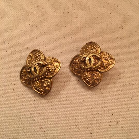 Chanel Vintage Chanel Gold Clip On Earrings Image 1