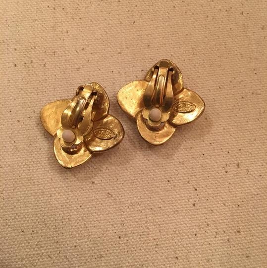 Chanel Vintage Chanel Gold Clip On Earrings Image 6