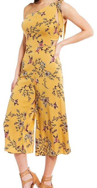 Preload https://img-static.tradesy.com/item/22936948/gb-yellow-one-shoulder-floral-mid-length-romperjumpsuit-size-8-m-0-1-650-650.jpg