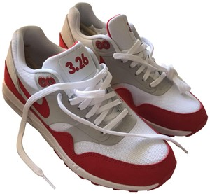 Nike Anniversary Airmax Sneaker Red and White Athletic