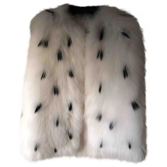 Preload https://img-static.tradesy.com/item/22939300/tory-burch-white-beverly-rabbit-fur-vest-size-2-xs-0-0-650-650.jpg