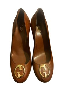 Gucci Leather Logo Silver Hardware Round Toe Brown Pumps