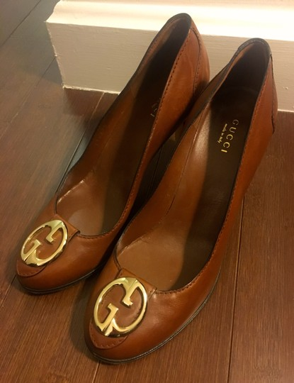Gucci Leather Logo Silver Hardware Round Toe Brown Pumps Image 2