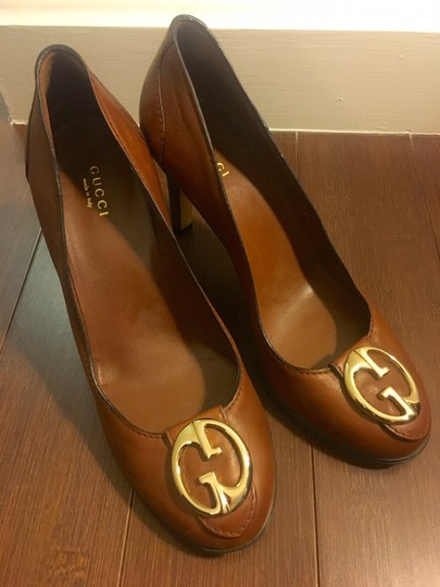 Gucci Leather Logo Silver Hardware Round Toe Brown Pumps Image 3