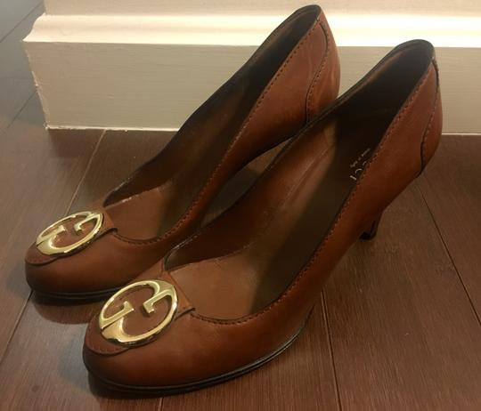 Gucci Leather Logo Silver Hardware Round Toe Brown Pumps Image 4