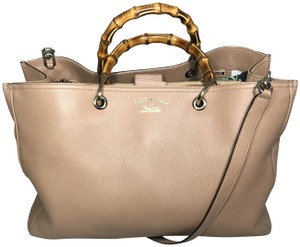 7428c9cdd7f9 Added to Shopping Bag. Gucci Bamboo Shopper Classic Leather ...