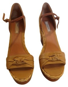 Nina Ricci BEIGE AND BROWN Wedges