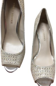 Audrey Brooke Ivory//silver Pumps