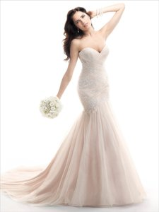 Maggie Sottero Blush Lace and Tulle Haven Feminine Wedding Dress Size 8 (M)
