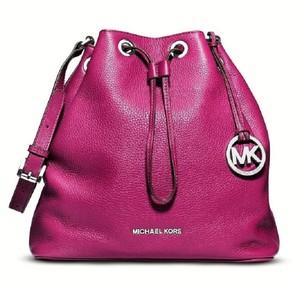 Michael Kors Sold Out Berry Silver Bucket Shoulder Bag