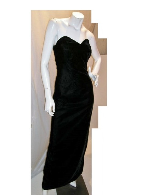 Item - Black/Red W Velvet Strapless-or-t-strap W/Lined Cape Sateen Long Night Out Dress Size 14 (L)