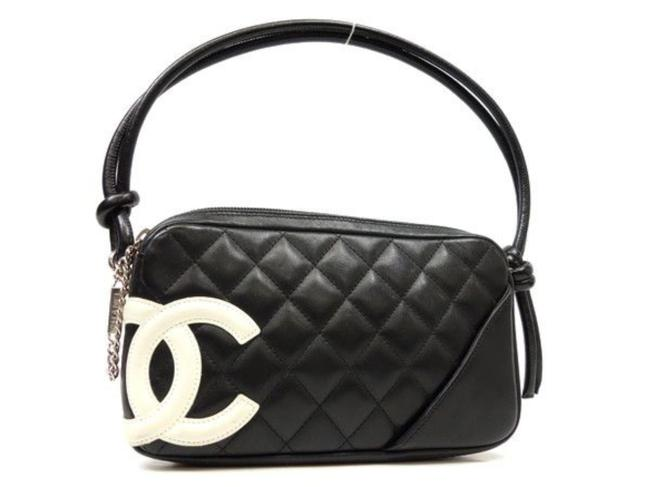 Item - Cambon Bicolor Quilted Pochette 226031 Black X White Leather Wristlet