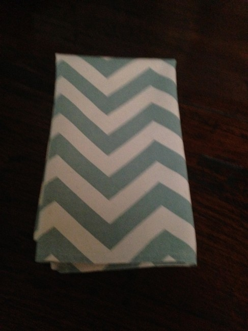 Item - Aqua/Ivory Chevron Collection Of 75 Cotton Napkins Tablecloth
