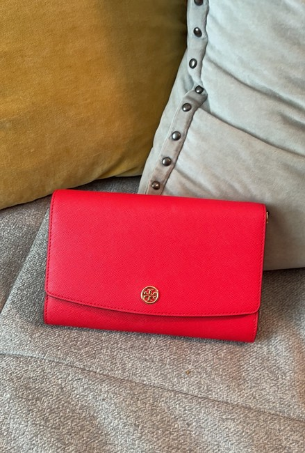 Item - Wallet on Chain Crossbody Red Leather Shoulder Bag