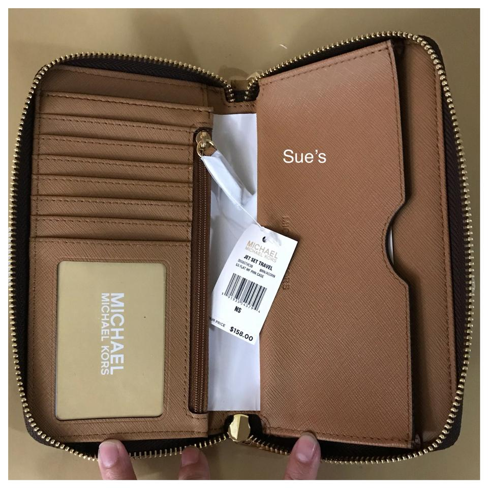 68b362032799 Michael Kors Mk Jet Set Large Messenger   Multifunction Phone Case ...