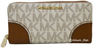 MICHAEL Michael Kors Michael Kors Hattie Jet Set Continental Wallet Brown Signature