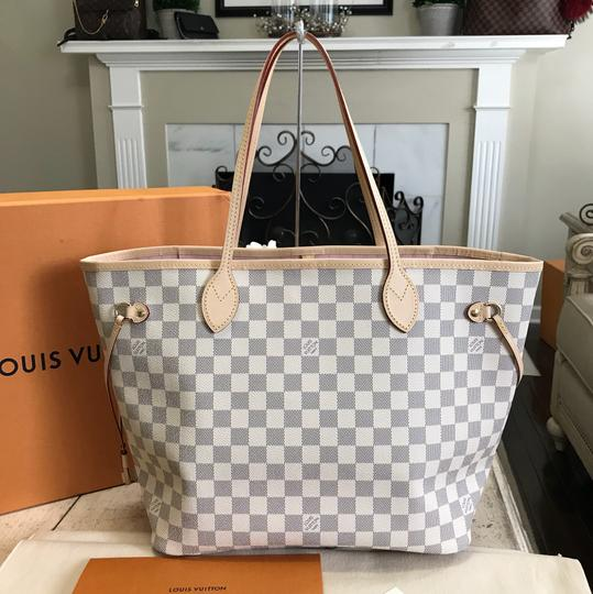 Louis Vuitton Neverfull 2018 Never Used Mm. Box Dustbag and Receipt ... c2935f91075e3