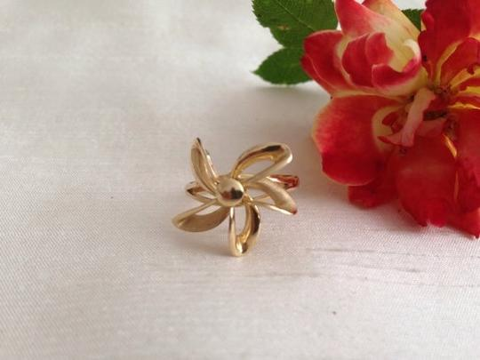 14k Gold Ring. 14k Gold Plumeria Style Five Petal Flower Ring.