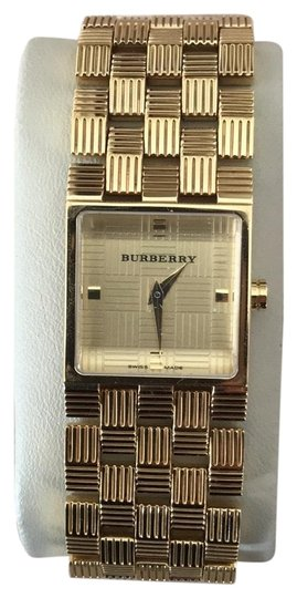 Preload https://img-static.tradesy.com/item/22950014/burberry-gold-bracelet-watch-0-1-540-540.jpg