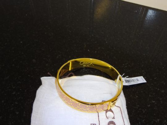 "Coach BEAUTIFUL NWT COACH 1/2"" SIGNATURE BANGLE GOLD/PINK ENAMEL EMBOSSED"