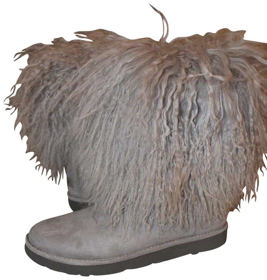 1545a2dc31e UGG Australia Gray Lida Classic Short Mongolian Cuff Free Gift  Boots/Booties Size US 7 Regular (M, B) 31% off retail