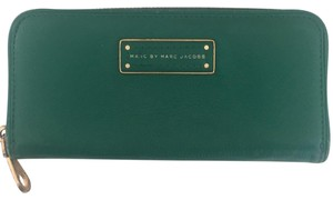 Marc by Marc Jacobs too hot to handle slim zip wallet, green