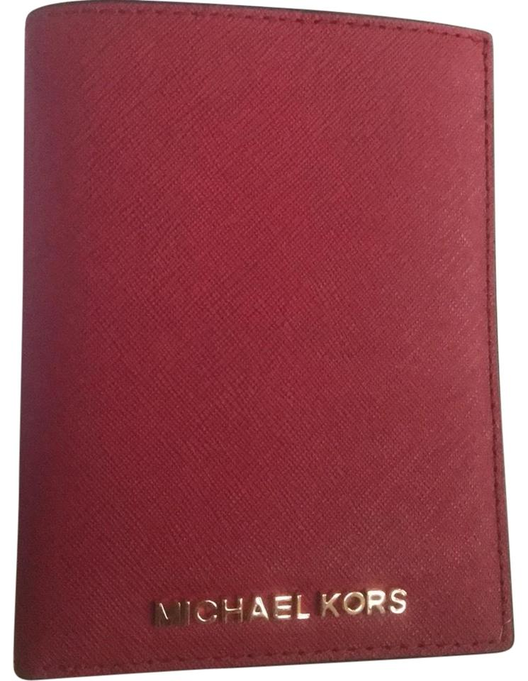 8a854a686587 Michael Kors Michael Kors Jet Set Travel Passport Wallet Image 0 ...