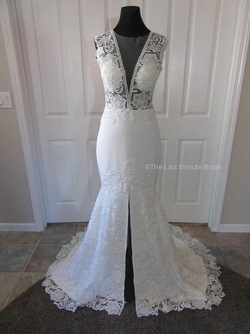 Item - Ivory Lace Monica Feminine Wedding Dress Size 4 (S)