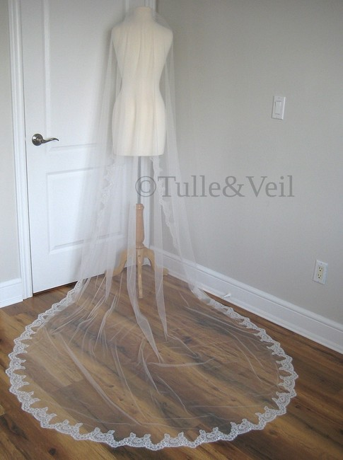 Unbranded Ivory Long New Single Tier Lace - Andrea Bridal Veil Unbranded Ivory Long New Single Tier Lace - Andrea Bridal Veil Image 1