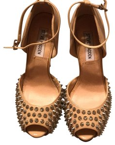 Steve Madden nude tan and silver Platforms