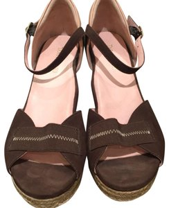 873fbe77ec63 Taryn Rose Sandals Up to 90% off at Tradesy
