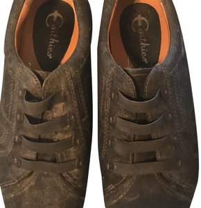 Earthies black pearlized suede Athletic