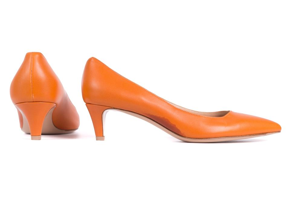 d1ce8d11b8e06 Gianvito Rossi Orange Leather Pointed Toe Kitten Heels C1526 Pumps ...