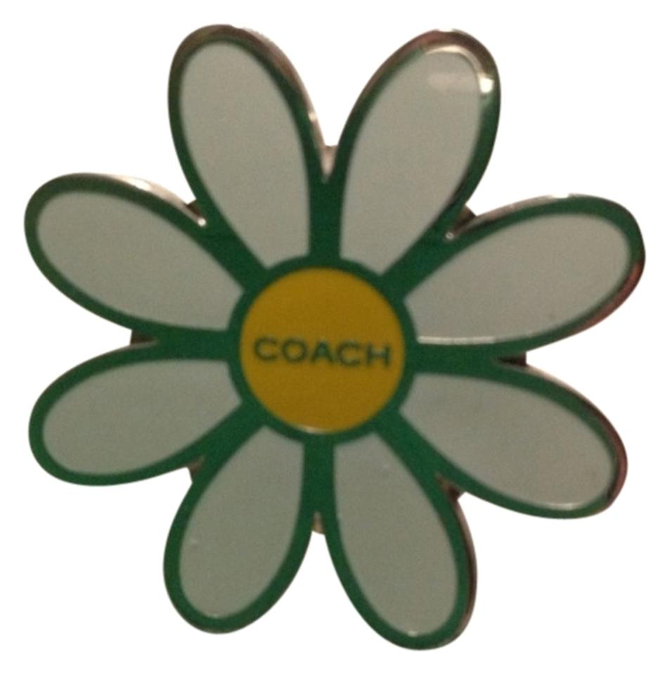 Coach White Flower With Yellow Center Set In Silver Tone Pin Daisy